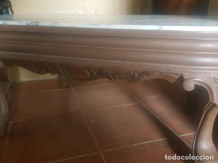 Antigüedades: Mesa baja de salón en madera pintada tallada. - Foto 5 - 182905157