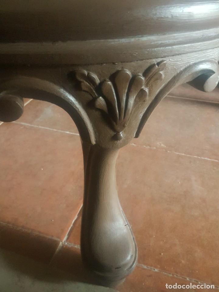Antigüedades: Mesa baja de salón en madera pintada tallada. - Foto 8 - 182905157
