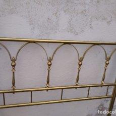 Antigüedades: CABECERO PARA CAMA DE 90 EN DORADO. Lote 182908928