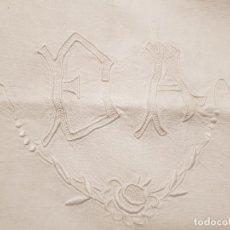 Oggetti Antichi: SÁBANA LINO FRANCÉS INICIALES EA BORDADAS A MANO 210 CM DE ANCHO.. Lote 182924780