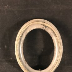 Antigüedades: MARCO ANTIGUO OVALADO. Lote 182945396