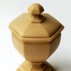 Antigüedades: ANTIGUA BOMBONERA COPA DE MARMOLINA DISEÑO CLÁSICO MARCA IMPERIO VALENCIA ESPAÑA VINTAGE AÑOS 70. Lote 52965869