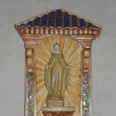 Antigüedades: BENDITERA DE CERÁMICA DE LA VIRGEN MILAGROSA.. Lote 182957680