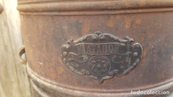 Antigüedades: Antigua estufa de petroleo MATADOR de 80 cms. - Foto 2 - 182968935