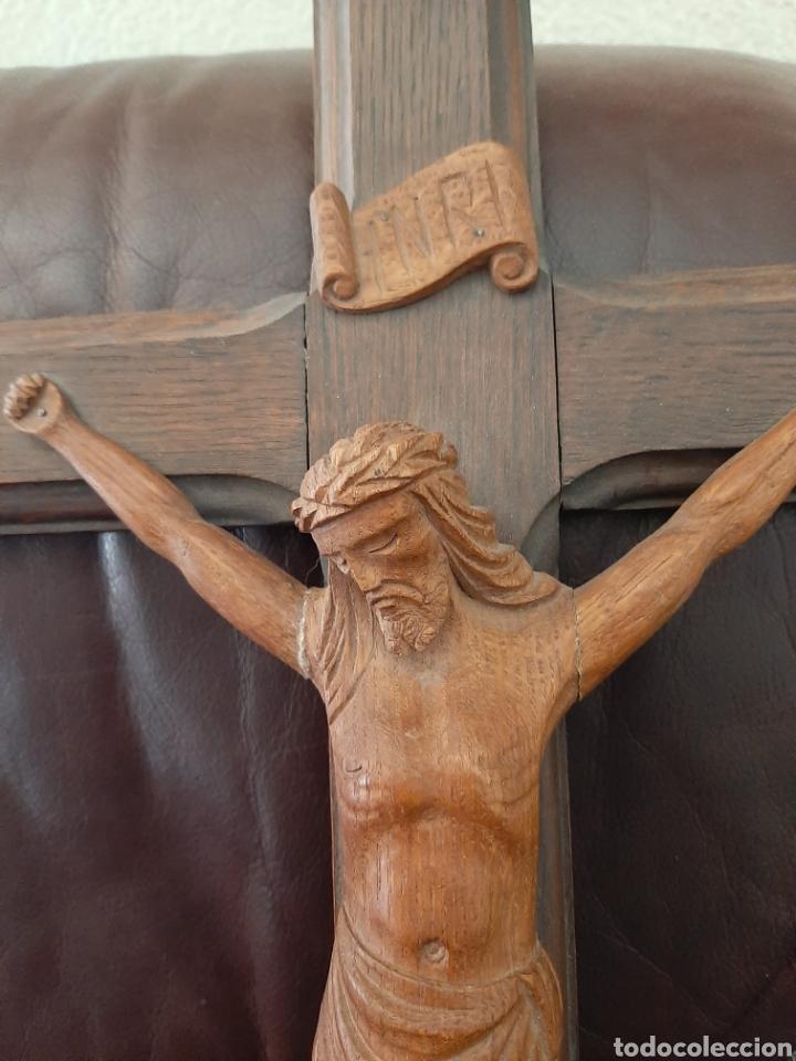 Antigüedades: Crucifijo con talla de madera - Foto 3 - 182970866