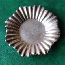 Antigüedades: BONITA BANDEJITA DE PLATA . Lote 182975752