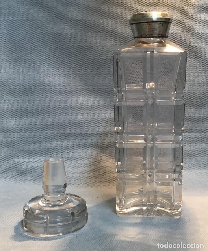 Antigüedades: ANTIGUA LICORERA CON CUELLO DE PLATA - Foto 2 - 183017890