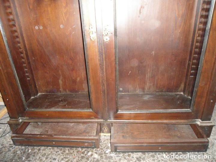 Antigüedades: Parte de arriba aparador antiguo tipo librería de 1883. Lacado, para restaurar. - Foto 3 - 183030441