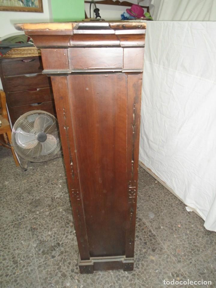 Antigüedades: Parte de arriba aparador antiguo tipo librería de 1883. Lacado, para restaurar. - Foto 5 - 183030441