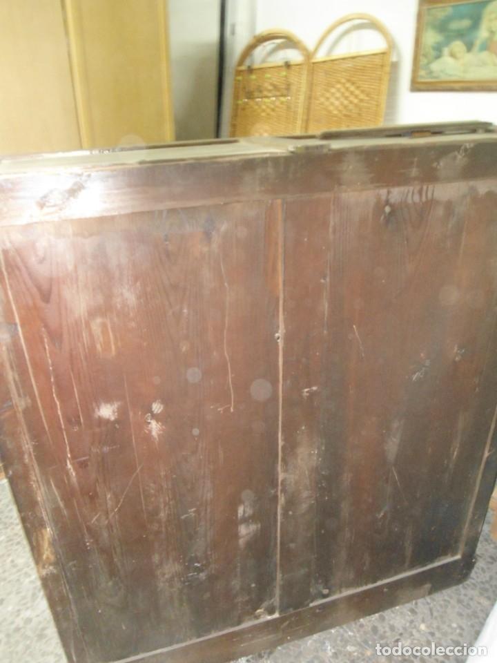 Antigüedades: Parte de arriba aparador antiguo tipo librería de 1883. Lacado, para restaurar. - Foto 6 - 183030441