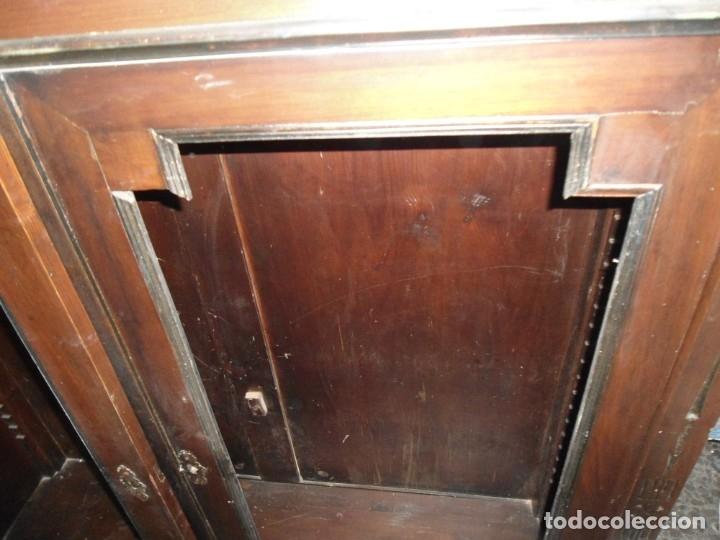 Antigüedades: Parte de arriba aparador antiguo tipo librería de 1883. Lacado, para restaurar. - Foto 15 - 183030441