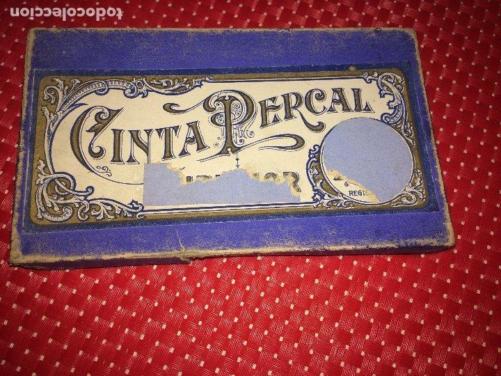 Antigüedades: CINTA PERCAL - AÑOS 30 - CAJITA CON MADEJAS DE CINTAS DE 6 METROS - Foto 3 - 183037056