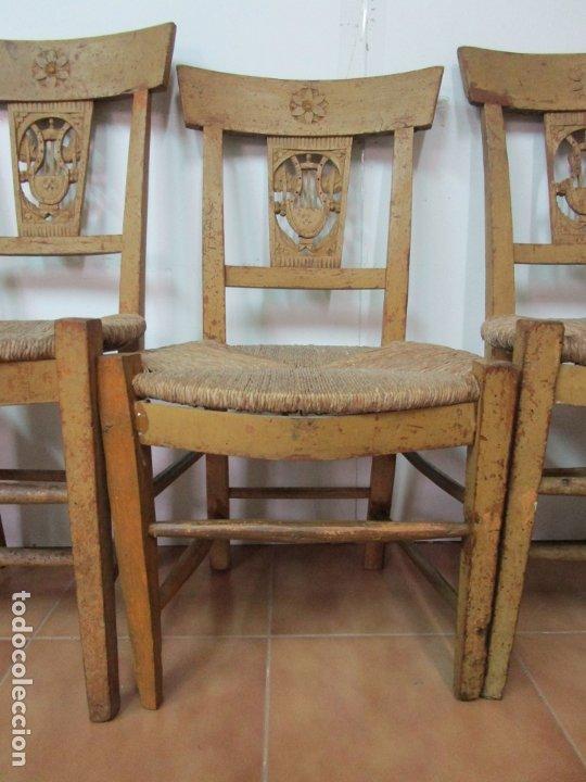 Antigüedades: Juego de 5 Sillas Mallorquinas - Carlos IV - Mallorca - Madera de Pino Policromadas -Finales S.XVIII - Foto 3 - 183053398