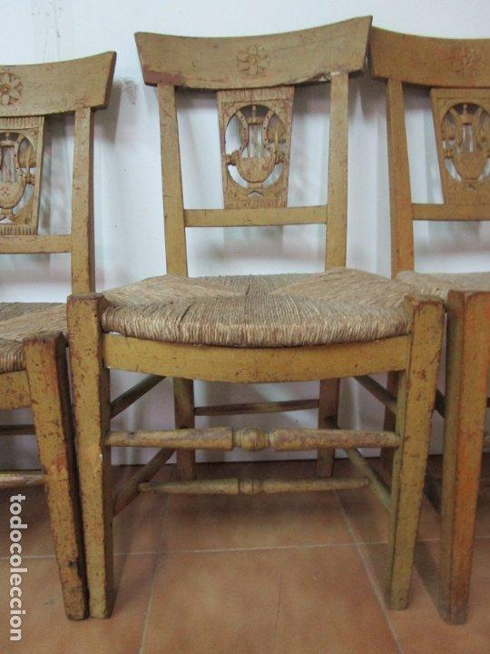 Antigüedades: Juego de 5 Sillas Mallorquinas - Carlos IV - Mallorca - Madera de Pino Policromadas -Finales S.XVIII - Foto 10 - 183053398