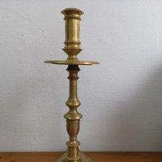 Antigüedades: ESPECTACULAR GRAN CANDELABRO DE BRONCE. PESADO. Lote 183077360