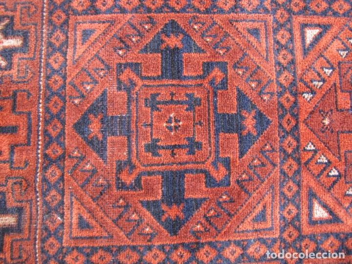 Antigüedades: Antigua alfombra Kurda Belucha. Nudos. Tejida a mano. Pura lana - Foto 4 - 183172217