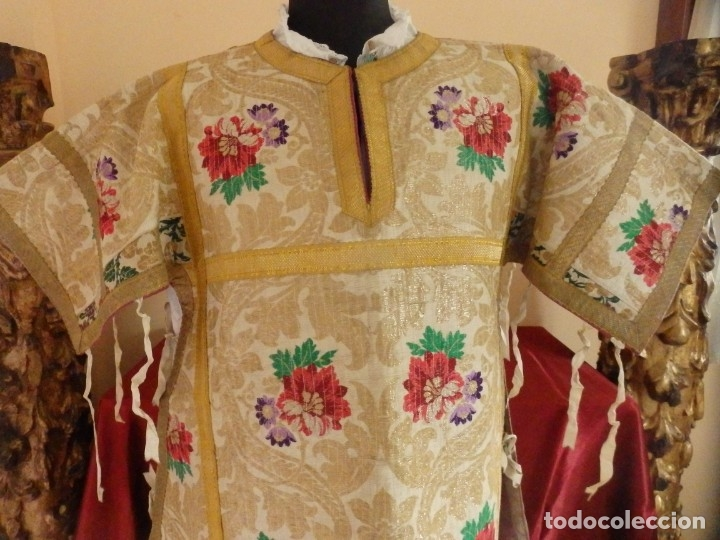 Antigüedades: Pareja de dalmáticas confeccionadas en seda brocada con oro y otras sedas. S. XIX. - Foto 5 - 183208772