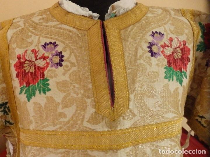 Antigüedades: Pareja de dalmáticas confeccionadas en seda brocada con oro y otras sedas. S. XIX. - Foto 6 - 183208772