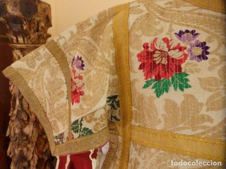 Antigüedades: Pareja de dalmáticas confeccionadas en seda brocada con oro y otras sedas. S. XIX. - Foto 8 - 183208772