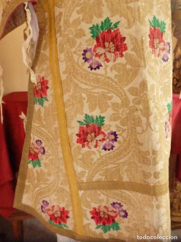 Antigüedades: Pareja de dalmáticas confeccionadas en seda brocada con oro y otras sedas. S. XIX. - Foto 9 - 183208772