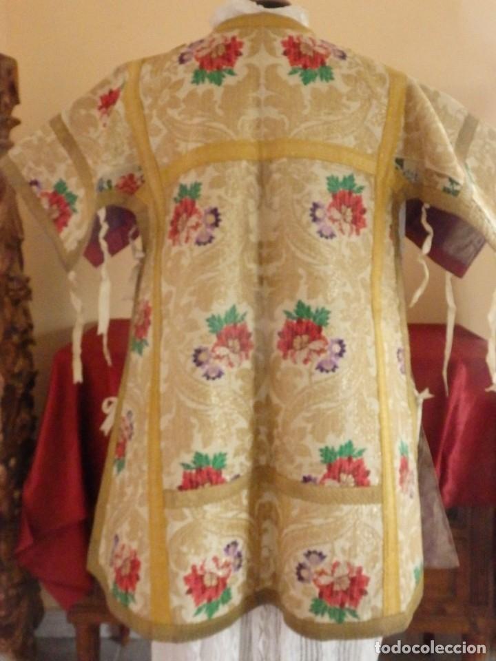 Antigüedades: Pareja de dalmáticas confeccionadas en seda brocada con oro y otras sedas. S. XIX. - Foto 10 - 183208772
