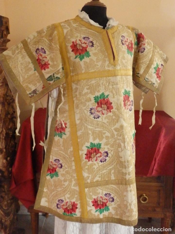 Antigüedades: Pareja de dalmáticas confeccionadas en seda brocada con oro y otras sedas. S. XIX. - Foto 14 - 183208772