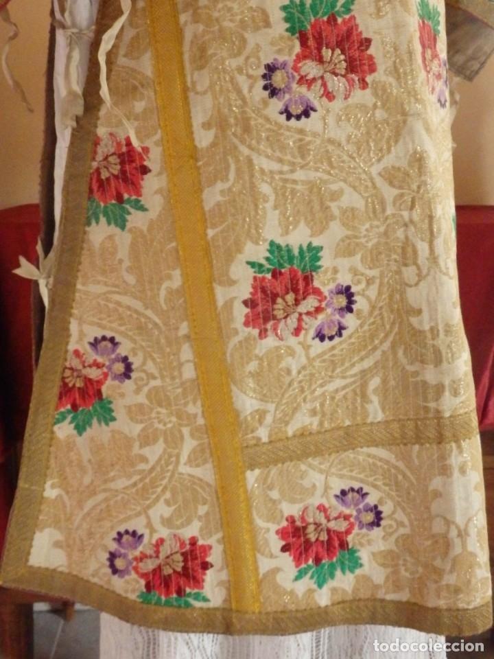 Antigüedades: Pareja de dalmáticas confeccionadas en seda brocada con oro y otras sedas. S. XIX. - Foto 16 - 183208772