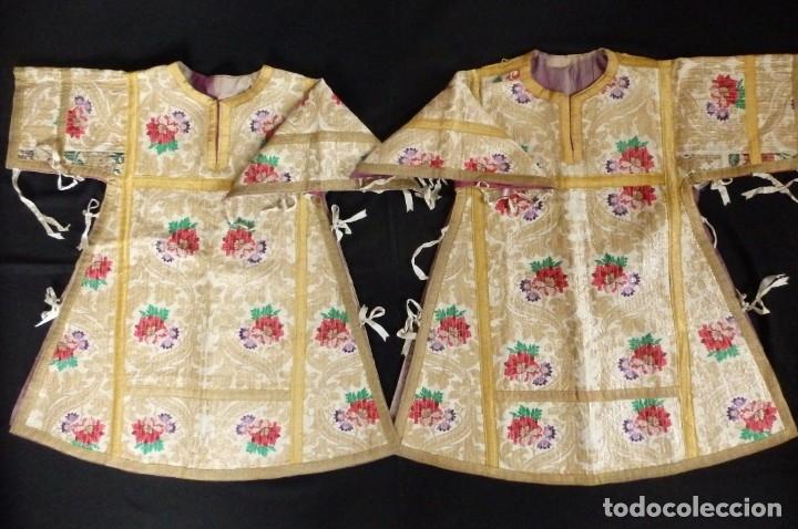 Antigüedades: Pareja de dalmáticas confeccionadas en seda brocada con oro y otras sedas. S. XIX. - Foto 17 - 183208772