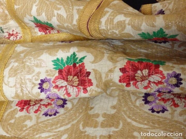 Antigüedades: Pareja de dalmáticas confeccionadas en seda brocada con oro y otras sedas. S. XIX. - Foto 20 - 183208772