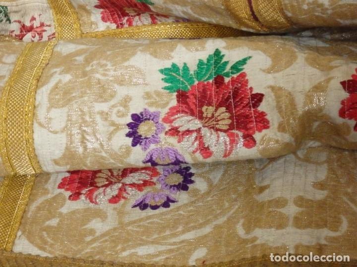 Antigüedades: Pareja de dalmáticas confeccionadas en seda brocada con oro y otras sedas. S. XIX. - Foto 21 - 183208772