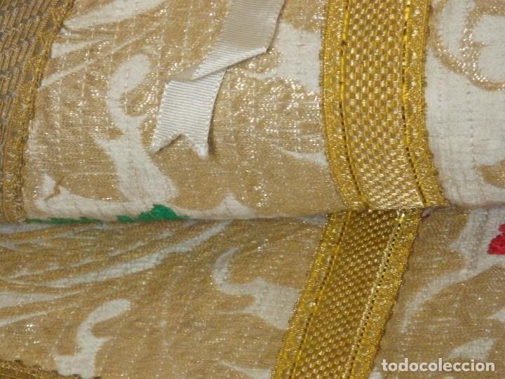 Antigüedades: Pareja de dalmáticas confeccionadas en seda brocada con oro y otras sedas. S. XIX. - Foto 22 - 183208772