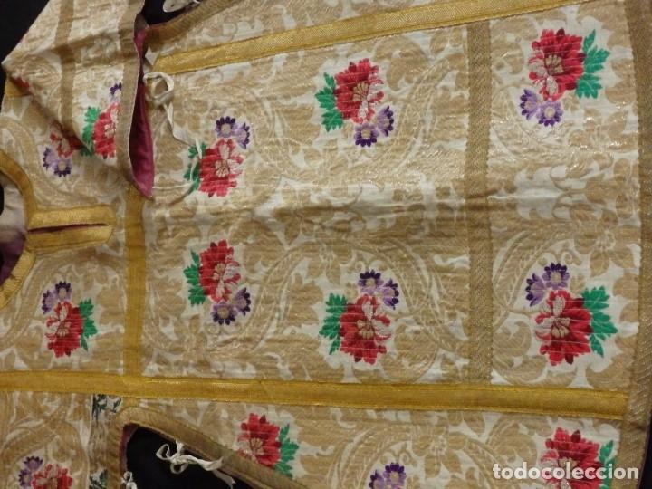Antigüedades: Pareja de dalmáticas confeccionadas en seda brocada con oro y otras sedas. S. XIX. - Foto 24 - 183208772