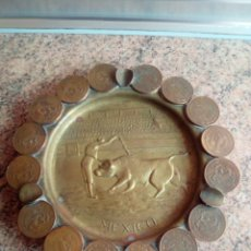 Antigüedades: CENICERO DE BRONCE CON MONEDAS. Lote 183211217