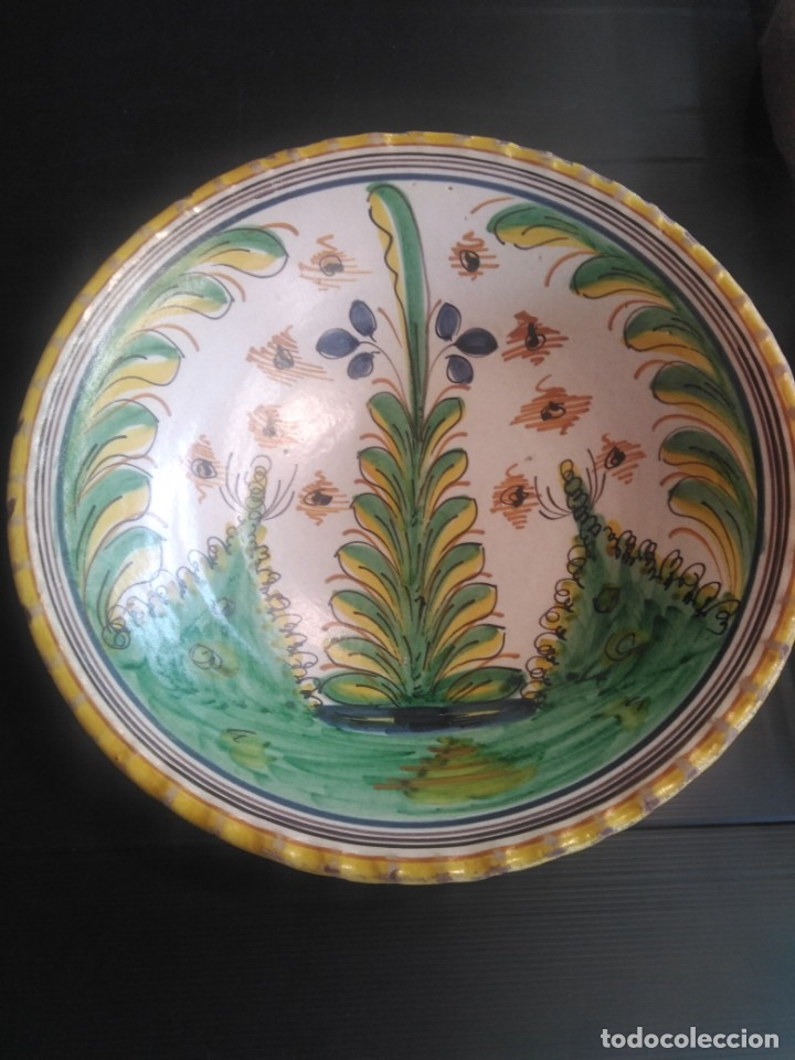 PUENTE DEL ARZOBISPO,ROTUNDO PLATO ORIGINAL SERIE PINOS SÍGLO XVIII (Antigüedades - Porcelanas y Cerámicas - Puente del Arzobispo )