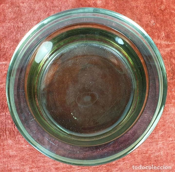 Antigüedades: CENICERO DE CRISTAL SOPLADO. MURANO?. REMATE EXTERIOR DE BRONCE. CIRCA 1950. - Foto 5 - 183251643