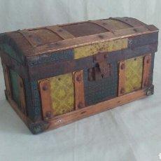 Antigüedades: PEQUEÑO BAUL ANTIGUO.. Lote 183258913