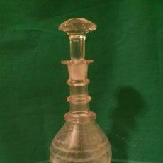 Antigüedades: BONITA Y ANTIGUA BOTELLA DE CRISTAL. Lote 183266475