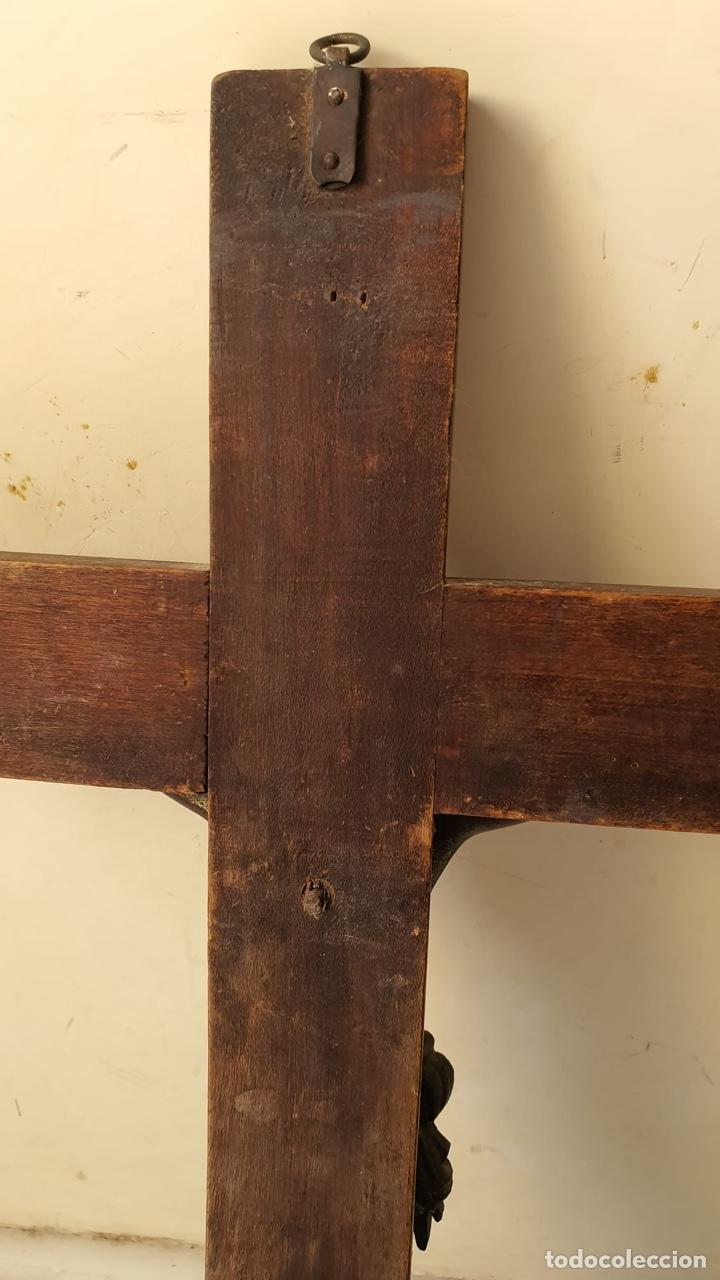 Antigüedades: Bonito crucifijo de colegio, bronce y madera, finales del XIX - Foto 8 - 183276763