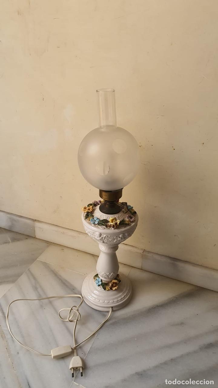 PRECIOSO QUINQUÉ CAPO DI MONTE (Antigüedades - Porcelanas y Cerámicas - Otras)
