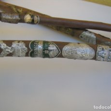 Antigüedades: LOTE TRES BASTONES DE SENDERISMO MONTAÑA AUSTRIACOS. Lote 183280072