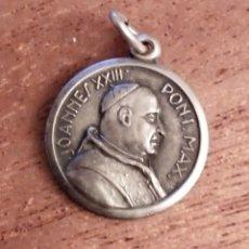 Antigüedades: MEDALLA JOANNES XXIII PONT MAX Y VIRGEN DOS CARAS. 1,5 CM. PLATEADO O PLATA. Lote 183315626