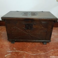 Antigüedades: ARCON ANTIGUO MADERA ROBLE MACIZO, TALLADO A MANO.. Lote 183342941