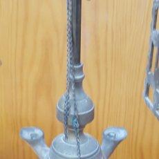 Antigüedades: QUINQUE DE ACEITE O VELON. EN METAL. CON DOS REJILLAS. Lote 183438143