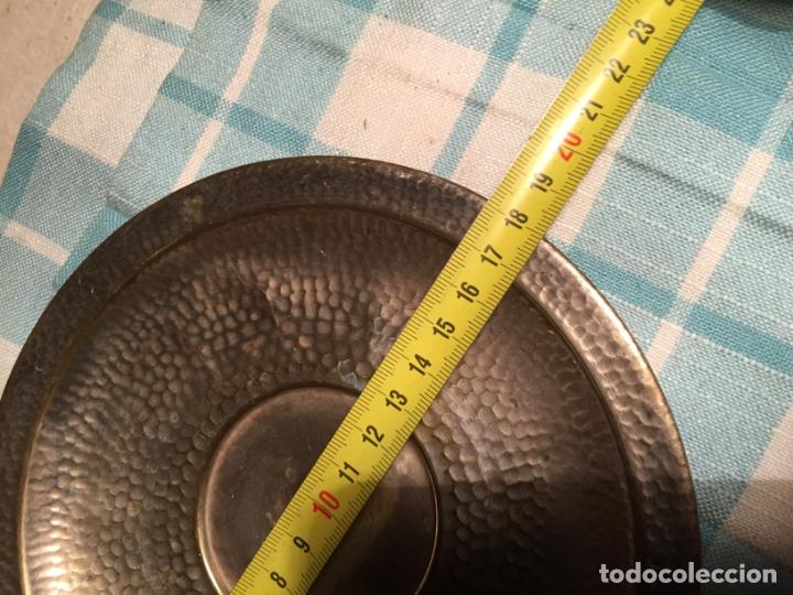 Antigüedades: Antiguas 5 taza / tazas de metal bañado en plata repujado con platos a juego años 40-50 - Foto 18 - 183438365