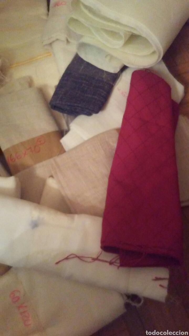 Antigüedades: Lote de 33 retales de cortinas de diferentes modelos y tamaños, - Foto 4 - 183443810