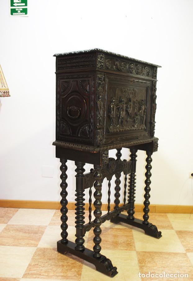 Antigüedades: BARGUEÑO ANTIGUO TALLADO ESTILO RENACIMIENTO ESPAÑOL - Foto 10 - 183458978