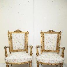 Antigüedades: PAREJA DE SILLONES ANTIGUOS LUIS XVI MADERA TALLADA Y PAN DE ORO. Lote 183462626