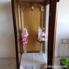 Antigüedades: HORNACINA DE MADERA Y CRISTAL. Lote 183465172