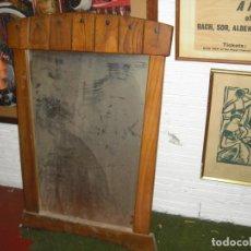Antigüedades: ESPEJO RUSTICO, VACIADO DE PISO HOY 68 CMS ANCHOX97 ALTO,AÑOS 40. Lote 183467091