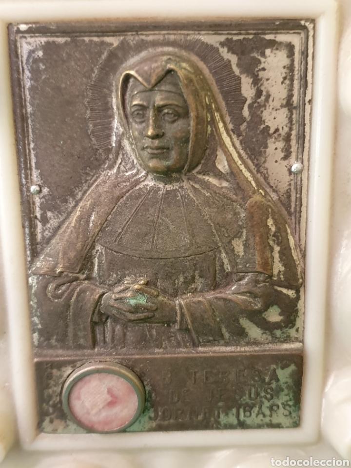Antigüedades: SANTA TERESA DE JESÚS ENMARCADA CONTIENE RELIQUIA - Foto 2 - 183481526